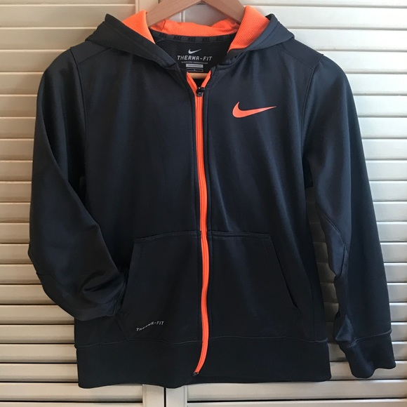 e64df97b02 Nike Therma-Fit Black Hoodie Boys Large (10/12)